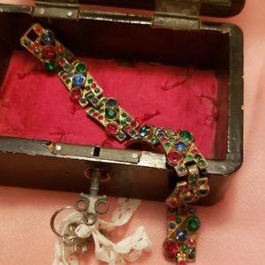 Jewelry - Vintage glass stone gold bracelet